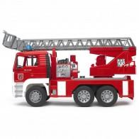 BRUDER 02771 MAN Feuerwehr mit Drehleiter, Wasserpumpe und Light and Sound Module inkl. Batterie